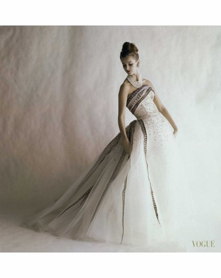balmain-ball-gown-vogue-june-1960-jerry-schatzberg