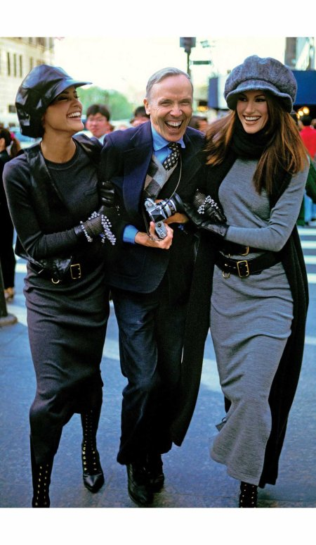 bill-cunningham-with-models-nadege-du-bospertus-l-and-susan-holmes-vogue-1992