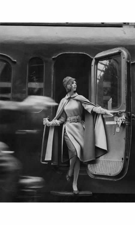 louis-faurer-%c2%b7-simone-wearing-coat-with-fur-%c2%b7-1960
