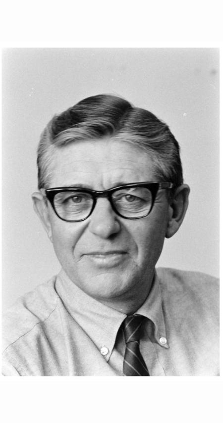 editors-note-george-silk-1969-alfred-eisenstaedt