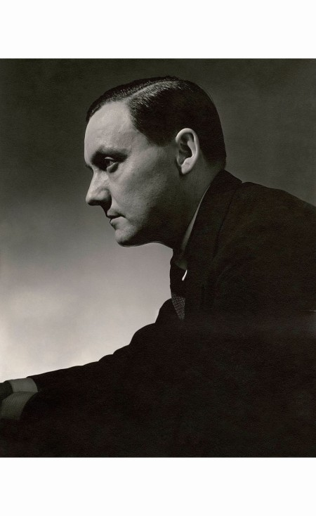 eduardo-benito-illustrator-and-painter-eduardo-garcia-benito-in-profile-vanity-fair-1935-lusha-nelson