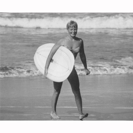 linda-benson-hermosa-beach-1968-leroy-grannis