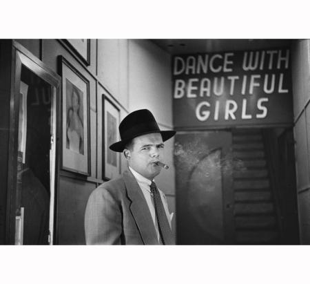 louis-faurer-%c2%b7-social-dance-hall-on-broadway-%c2%b7-1949