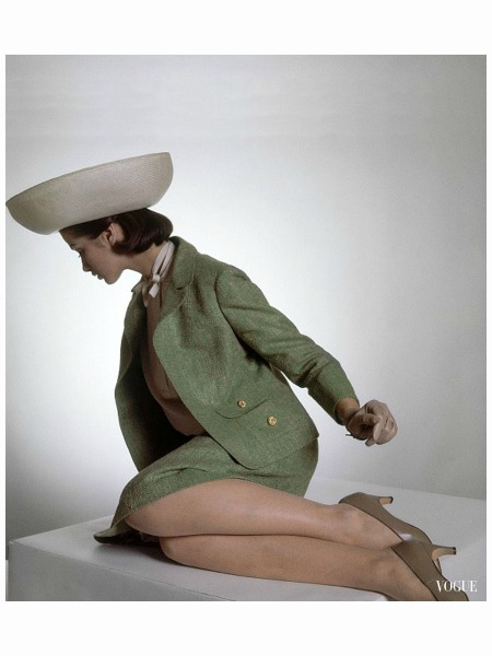 model-in-green-tweed-suit-by-evan-picone-brown-aris-gloves-and-bowl-shaped-halston-hat-vogue-february-1-1964-horst-p-horst