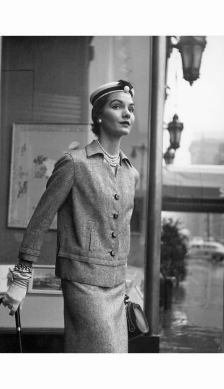 model-posing-in-british-fashion-designer-digby-mortons-box-jacket-which-goes-over-matching-sli-1952-nina-leen