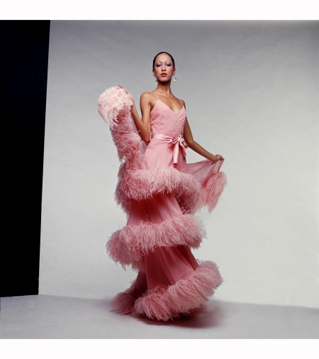 pat-cleveland-in-evening-ensemble-made-of-silk-chiffon-and-ostrich-feathers-by-italian-designer-valentino-garavani-1974-75