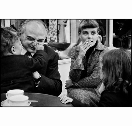 polish-photographer-and-magnum-photos-co-founder-david-seymour-chim-with-elliott-erwitts-first-wife-lucienne-and-his-children-misha-and-ellen
