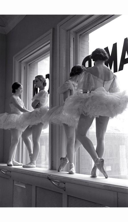 scene-at-the-school-of-american-ballet-new-york-1936-alfred-eisenstaedt