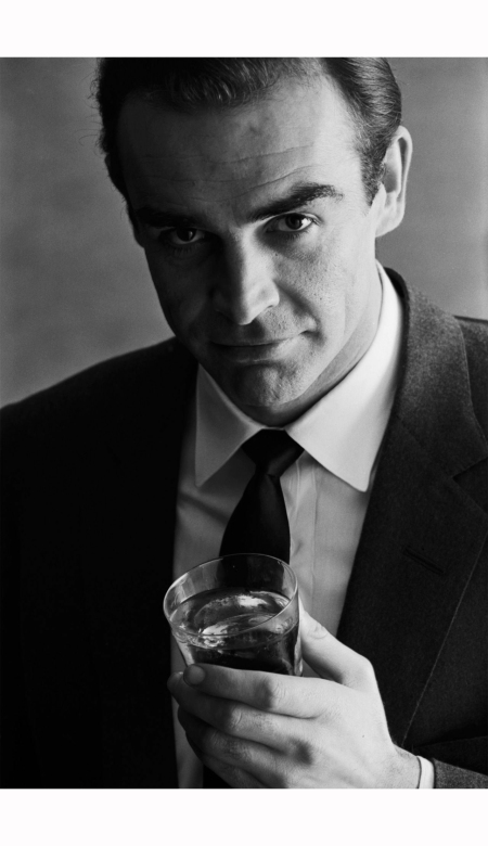 sean-connery-advertising-shoot-for-smirnoff-vodka-1962