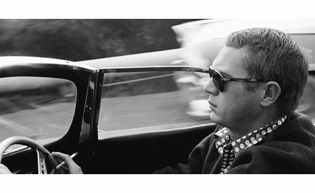 steve-mcqueen-traveling-down-nichols-canyon-in-his-1957-jaguar-xkss-1960