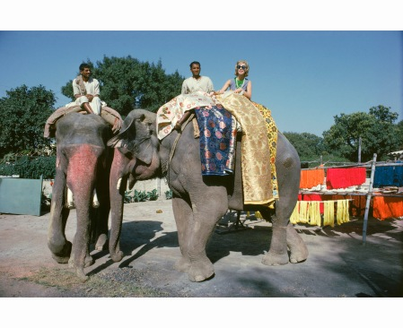tiger-morse-rides-an-elephant-benares-1962-jet-set-style-quest-1962-mark-shaw