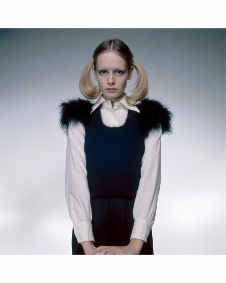 twiggy-wearing-a-fur-trimmed-dress-knitted-by-herself-over-a-white-blouse-1972-her-hair-is-worn-in-long-pigtails-or-bunches-justin-de-villeneuve-b