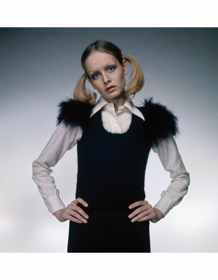 twiggy-wearing-a-fur-trimmed-dress-knitted-by-herself-over-a-white-blouse-1972-her-hair-is-worn-in-long-pigtails-or-bunches-justin-de-villeneuve