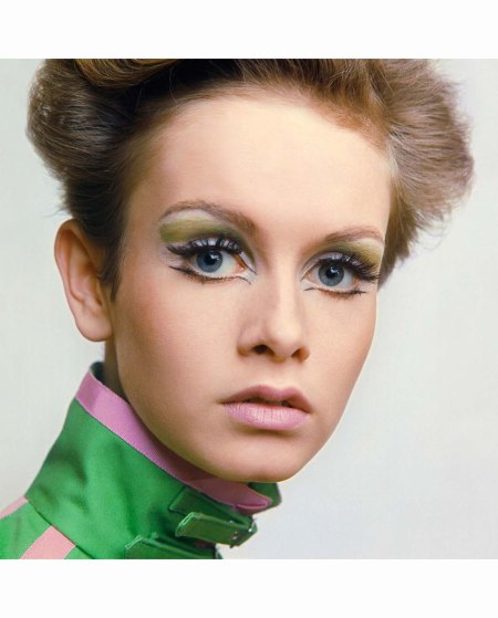 uk-vogue-june-1967-%22beauty-is-as-beauty-does-is-it%22