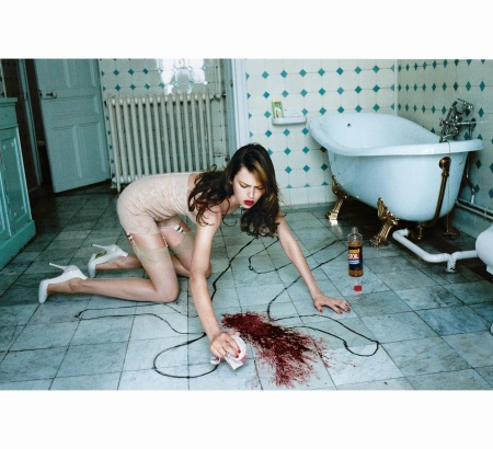 elise-crombez-in-john-galliano-hair-recine-makeup-james-kaliardos-voguejuly-2003-helmut-newton