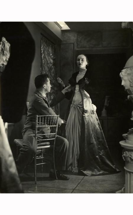 charles-james-from-hostess-gown-1948-nina-leen-gelatin