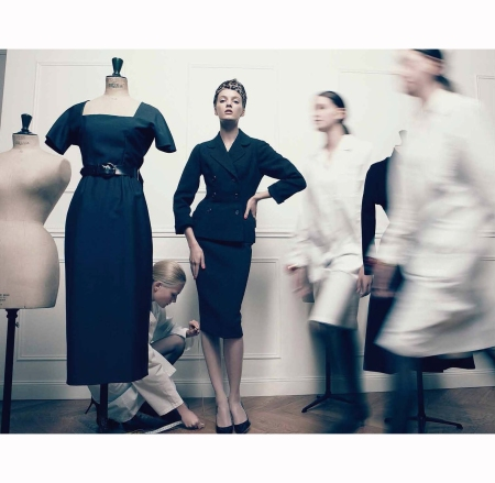 daria-strokous-dior-couture-book-in-christian-dior-for-vogue-italia-september-2012-patrick-demarchelier