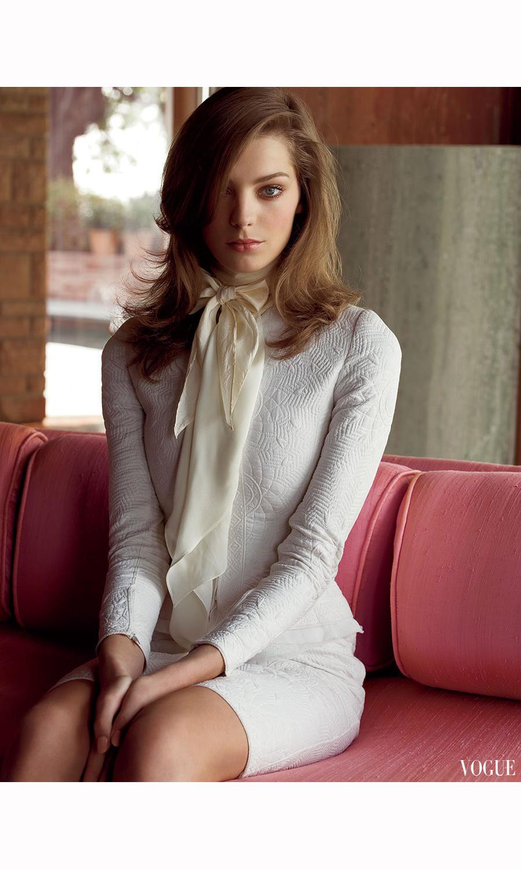 Daria Werbowy Shines On Fashion Canada S October 2013: © Pleasurephoto