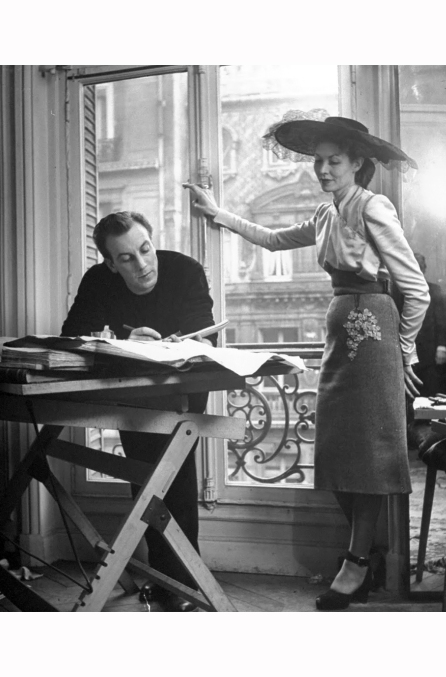 designer-jacques-fath-having-lunch-in-between-his-two-fashion-shows-1951