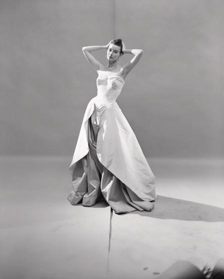 Dorian Leigh Charles James evening dress Vogue 1948 © Cecil Beaton
