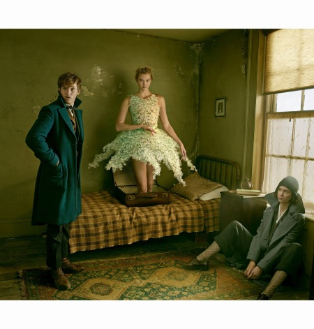 eddie-redmayne-karlie-kloss-%22-van-herpen-couture%22-actress-katherine-waterston-vogue-december-2016-annie-leibovitz