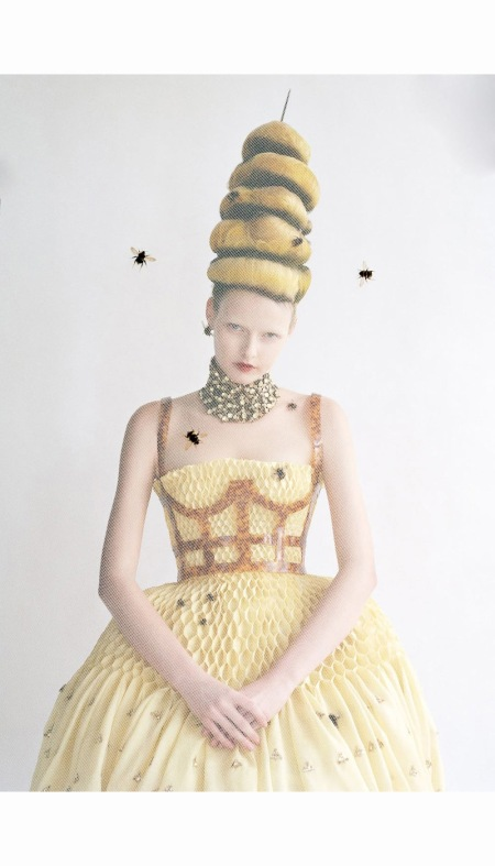 elza-luijendijk-in-alexander-mcqueen-hair-julien-dys-makeup-val-garland-produced-by-and-production-set-design-andy-hilman-march-2013
