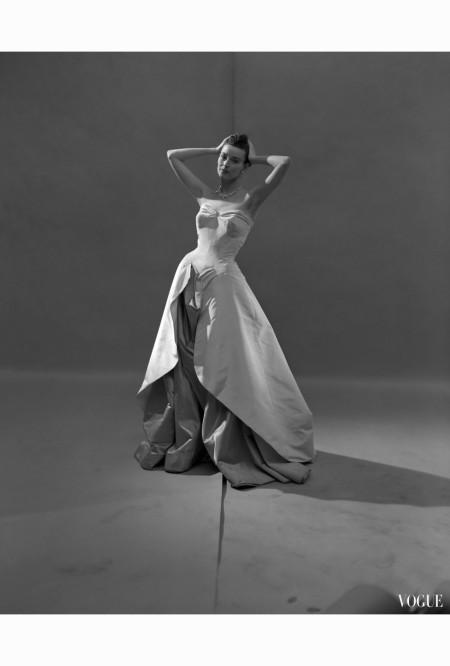 evening-dress-vogue-1948-cecil-beaton-1948