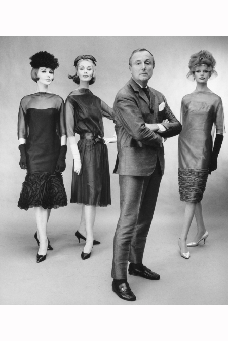 fashion-designer-heinz-schulze-varell-and-his-mannequins-rita-jaeger-eva-and-lissy-schaper-in-cocktail-dresses-from-nylon-chiffon-and-a-matching-satin-in-gold-black-and-green-hamburg-1961-photo-f-c
