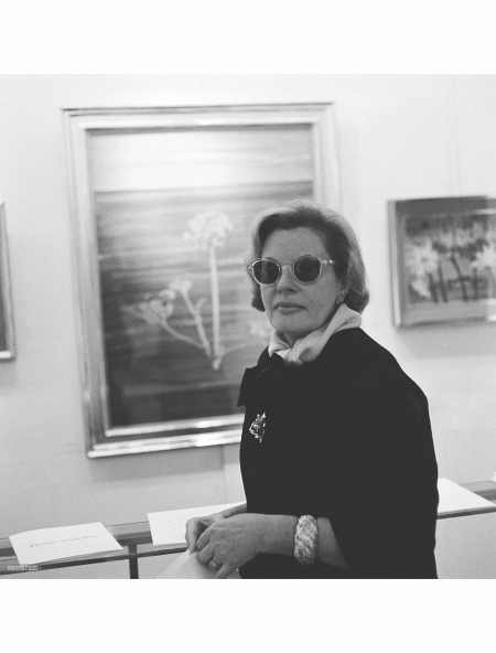 fleur-cowles-was-a-writer-editor-painter-and-above-all-a-society-hostess-pictured-in-her-trade-mark-dark-glasses-at-art-gallery-where-some-of-her-work-is-currently-on-display-pictured-november-1960