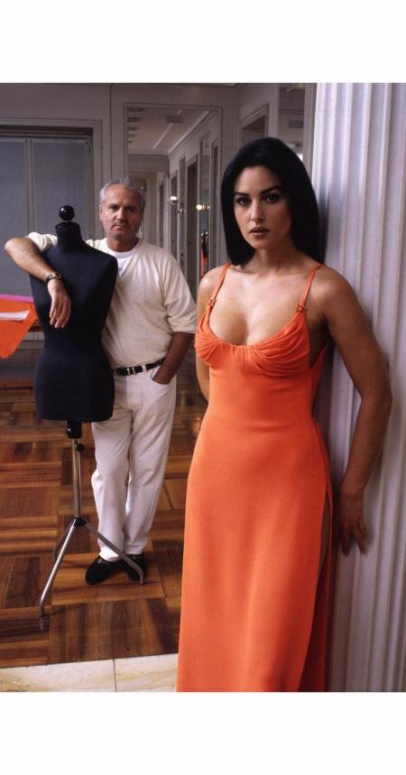 gianni-versace-monica-bellucci-1995-jean-marie-perier