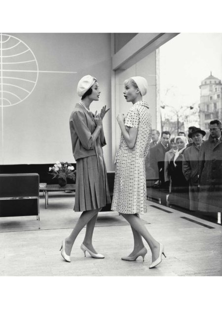 gitta-schilling-and-christa-vogel-in-a-paris-fashion-scene-in-the-office-of-panam-for-star-1958-photo-fc-gundlach