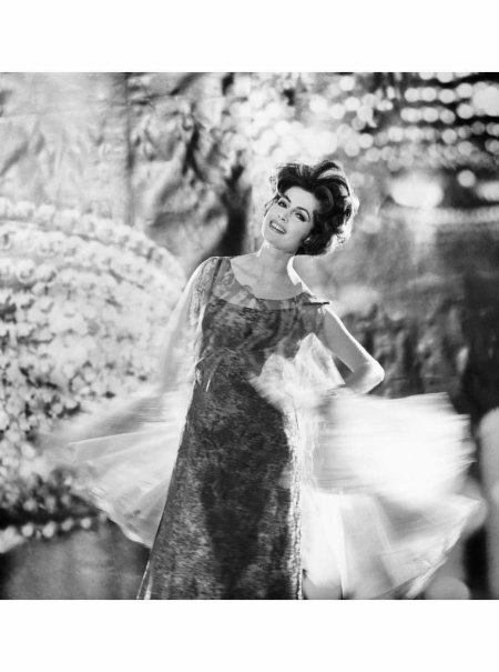 gitta-schilling-wearing-a-chiffon-cocktaildress-by-schulze-varell-photo-f-c-gundlach