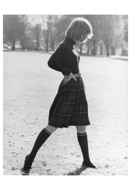 gunel-person-in-scots-look-turtleneck-sweater-and-kilt-hamburg-1964-photo-f-c-gundlach