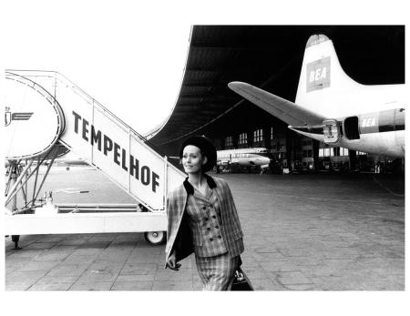 gunel-person-weitwinkel-perspektivewide-angle-perspective-1963-f-c-gundlach