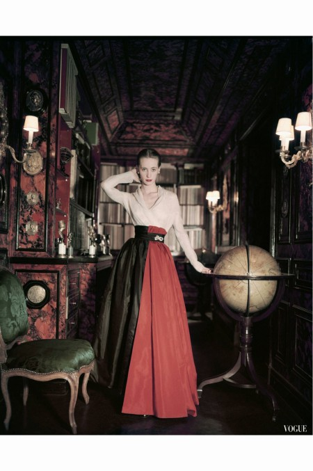helen-connor-wearing-an-evening-dress-consisting-of-a-silk-organdie-white-top-and-a-red-and-black-paneled-taffeta-skirt-by-christian-dior-vogue-1951-john-rawlings