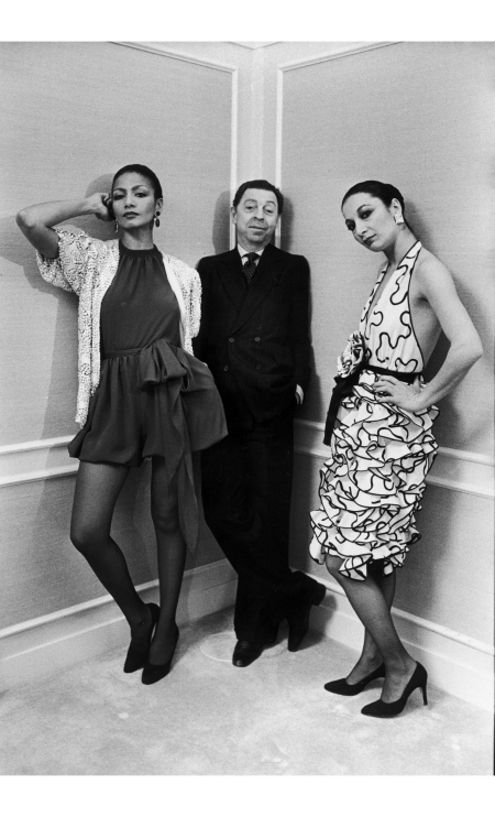 james-galanos-at-a-saks-fifth-avenue-department-store-in-chicago-march-1980-both-models-wear-clothes-of-his-design-thomas-s-england