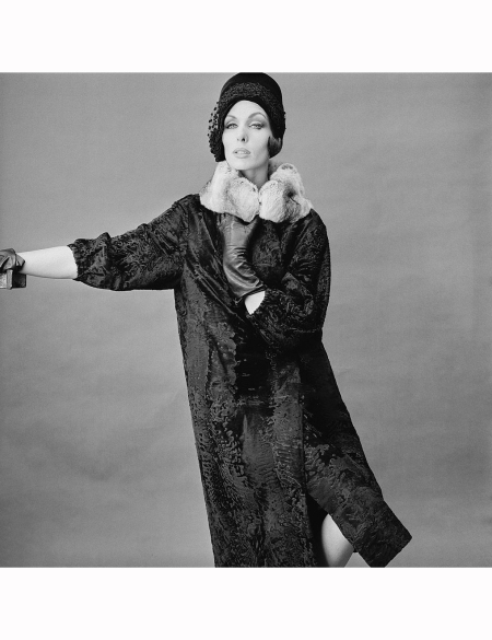 jennifer-hocking-modelling-a-long-fur-coat-and-matching-hat-22nd-august-1960