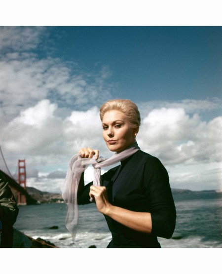 kim-novak-on-the-set-of-alfred-hitchcock-vertigo-1958