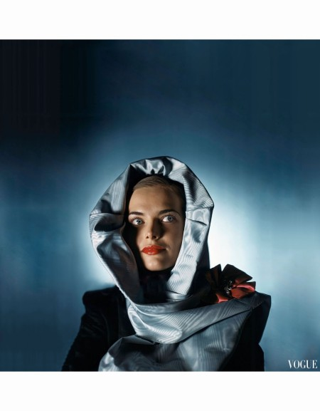 leslie-venable-wearing-light-blue-moire-hood-by-hattie-carnegi-vogue-jan-1945-john-rawlings-b