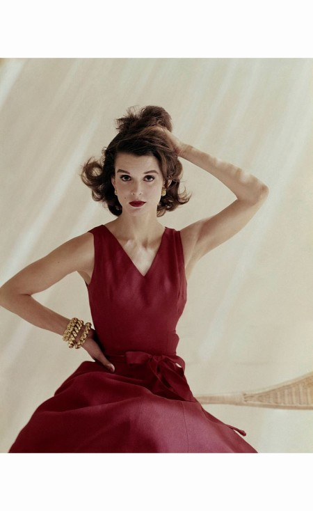 model-in-red-linen-anne-fogarty-dress-jewelry-by-tiffany-co-and-tussy-makeup-june-1960-sante-forlano