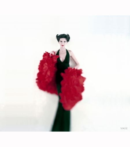 model-joanna-mccormick-in-long-black-scassi-dress-with-stole-of-silk-poppy-petals-vogue-1957-karen-radkai-copia