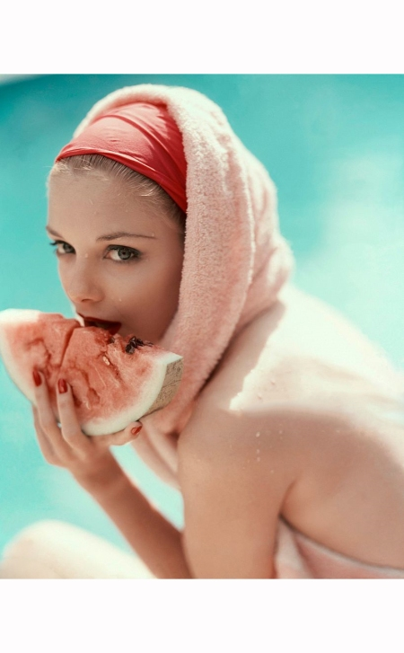 model-wearing-pink-watermelon-lipstick-by-frances-denney-photo-by-karen-radkai-june-1957