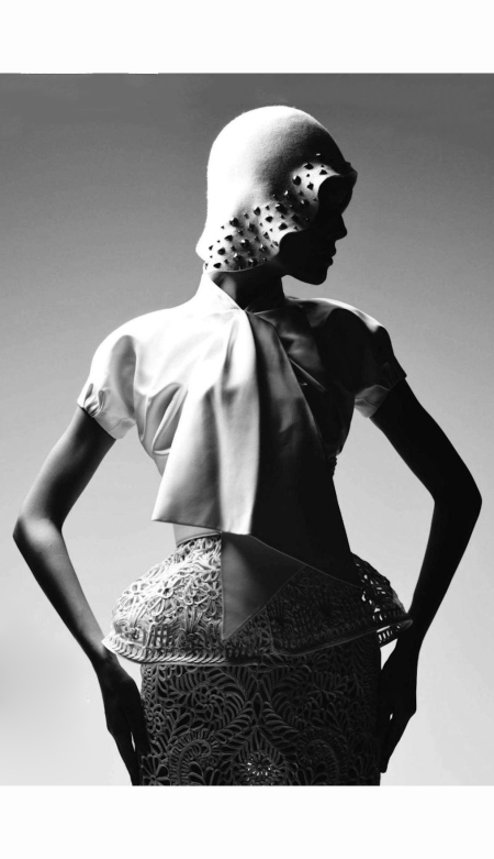photo-patrick-demarchelier-dior-book-2011-dior-haute-couture-collection-2008-harper