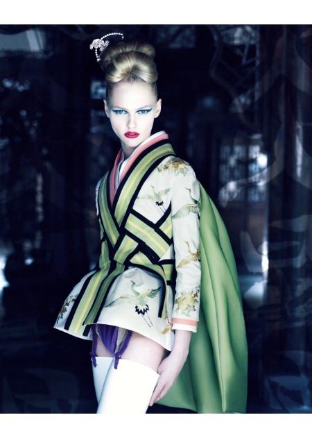 photo-patrick-demarchelier-harper-2011-ko-ko-san-suit-haute-couture-collection-spring-summer-2007
