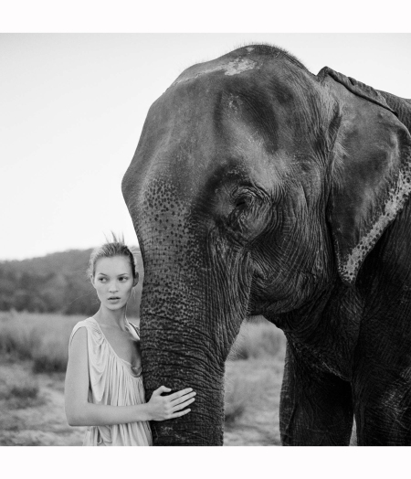 posing-on-an-elephant-in-chitwan-national-park-kate-moss-nepal%22-vogue-uk-1994-arthur-elgort-b