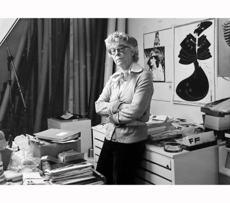 regina-relang-1981-in-the-studio-foto-julius-kurt