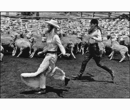 sidney-australia-%22harpers-bazaar%22-1968