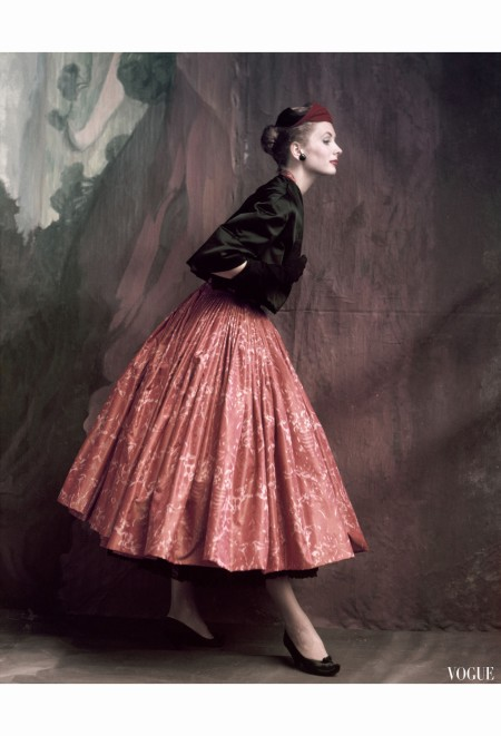 suzy-parker-in-givenchy-vogue-october-1953-john-rawlings-1-copia
