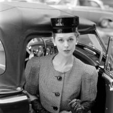 tippi-hedren-fashion-wide-shoulder-look-1959-nina-leen-c