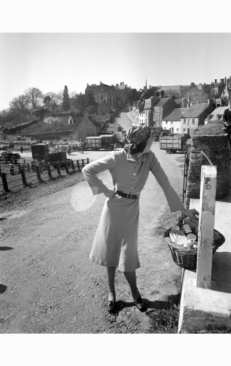a-model-wearing-a-norman-hartnell-dress-the-cotswolds-1942-norman-parkinson